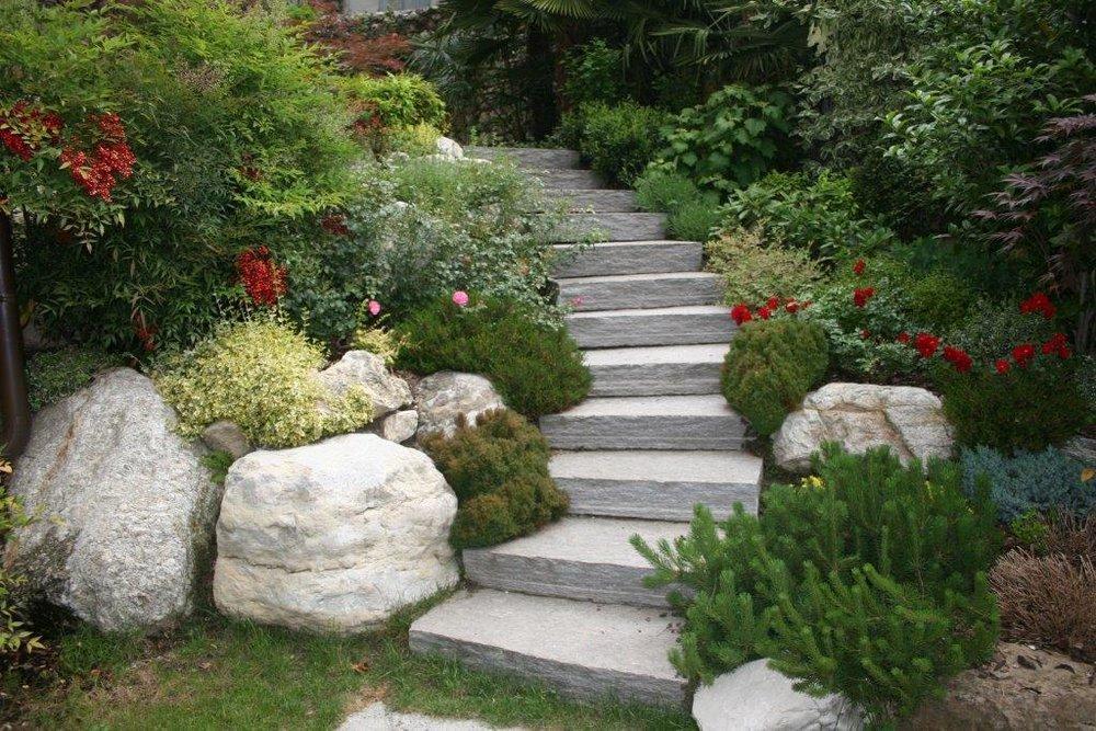 Pavimentazioni esterne e interne in pietra di luserna - Scale in giardino ...